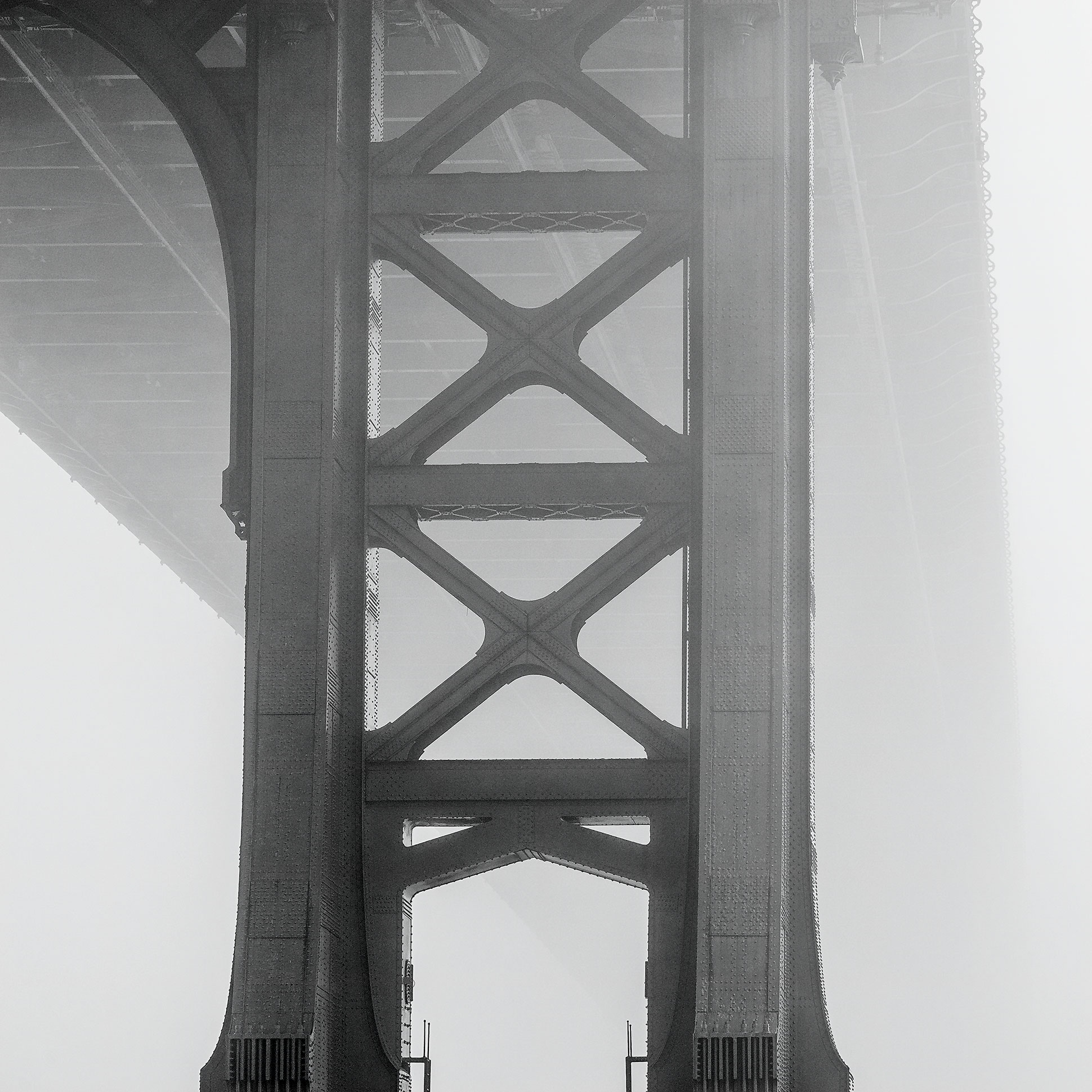 manhattan_bridge_in_fog